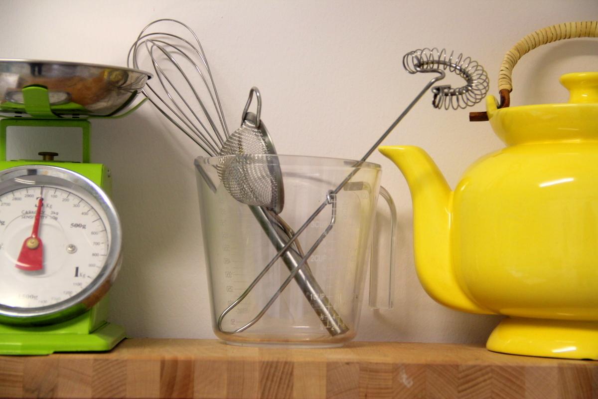 כלי צהוב מבית סבתא ומשקל ירוק של פוקס הום