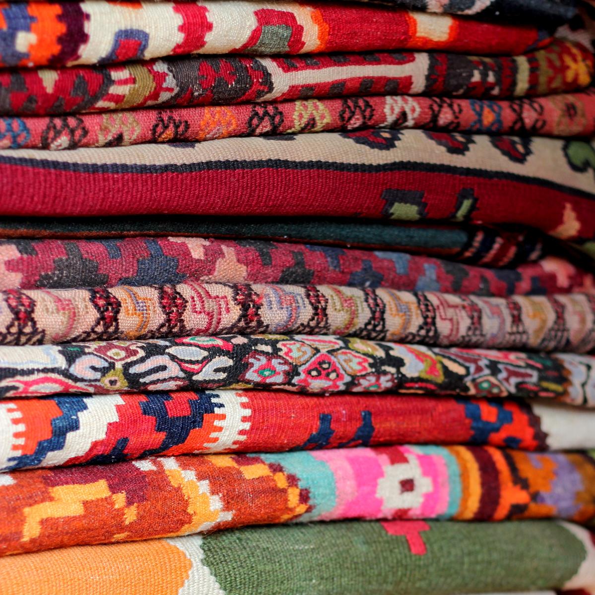 שטיח קילים! להכניס לחלל צבע וחמימות באופן טרנדי ביותר