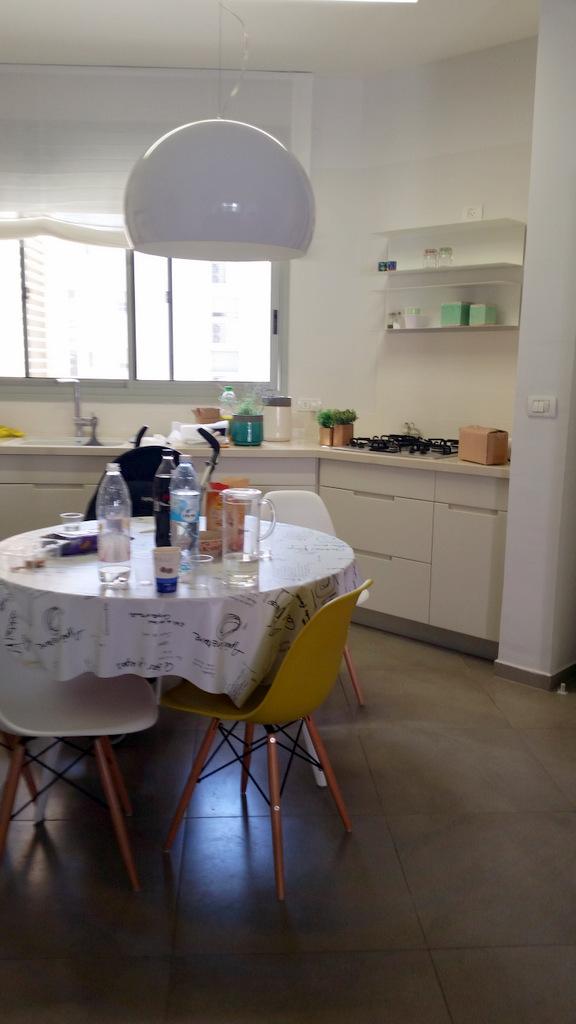 הום סטיילינג לדירת קבלן בשרון עיצוב לירון גונן (21)