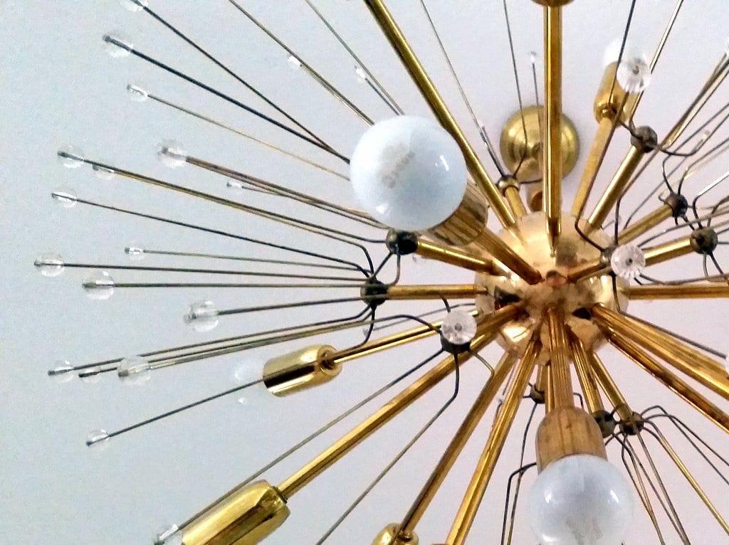 גוף תאורה sputnik עשוי פליז ייצור שוקי פוגל צילום לירון גונן (2)