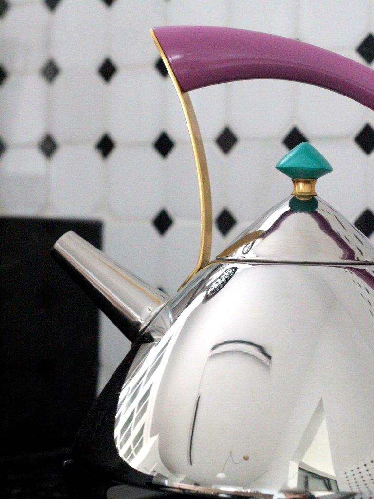 קומקום מעוצב צילום לירון גונן